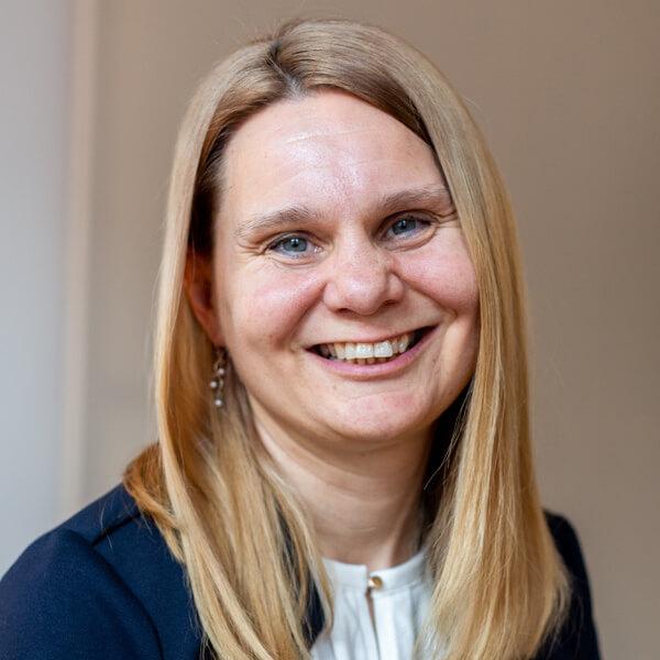 Stephanie Niederhuber